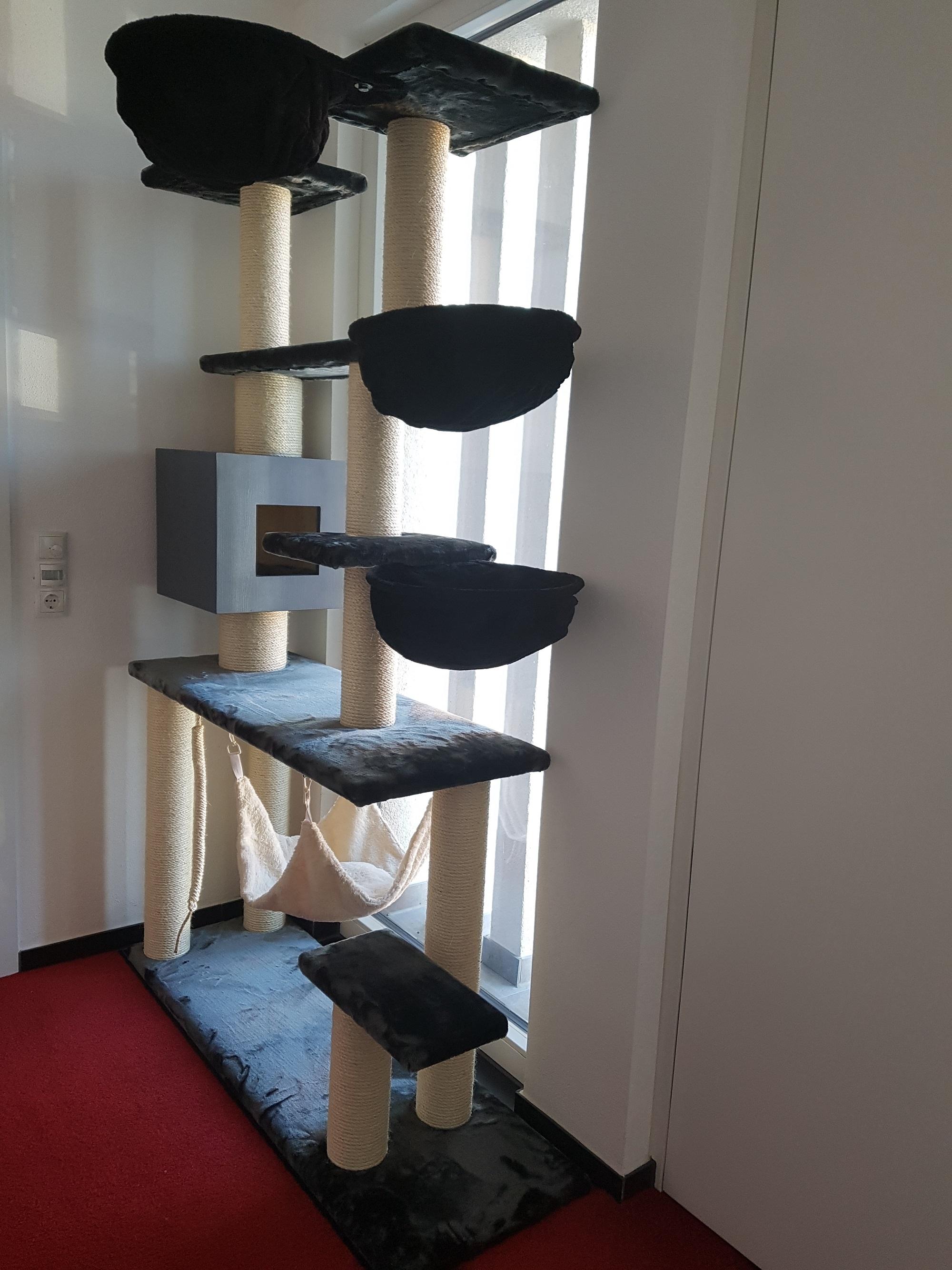 kratzbaum g nstig zu verkaufen katzenbaum spielzeug f r katzen. Black Bedroom Furniture Sets. Home Design Ideas
