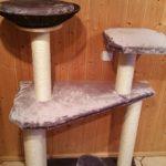 Kratzbaum massiv Katzenbaum Liegemulde für Katzen Sisalstämme