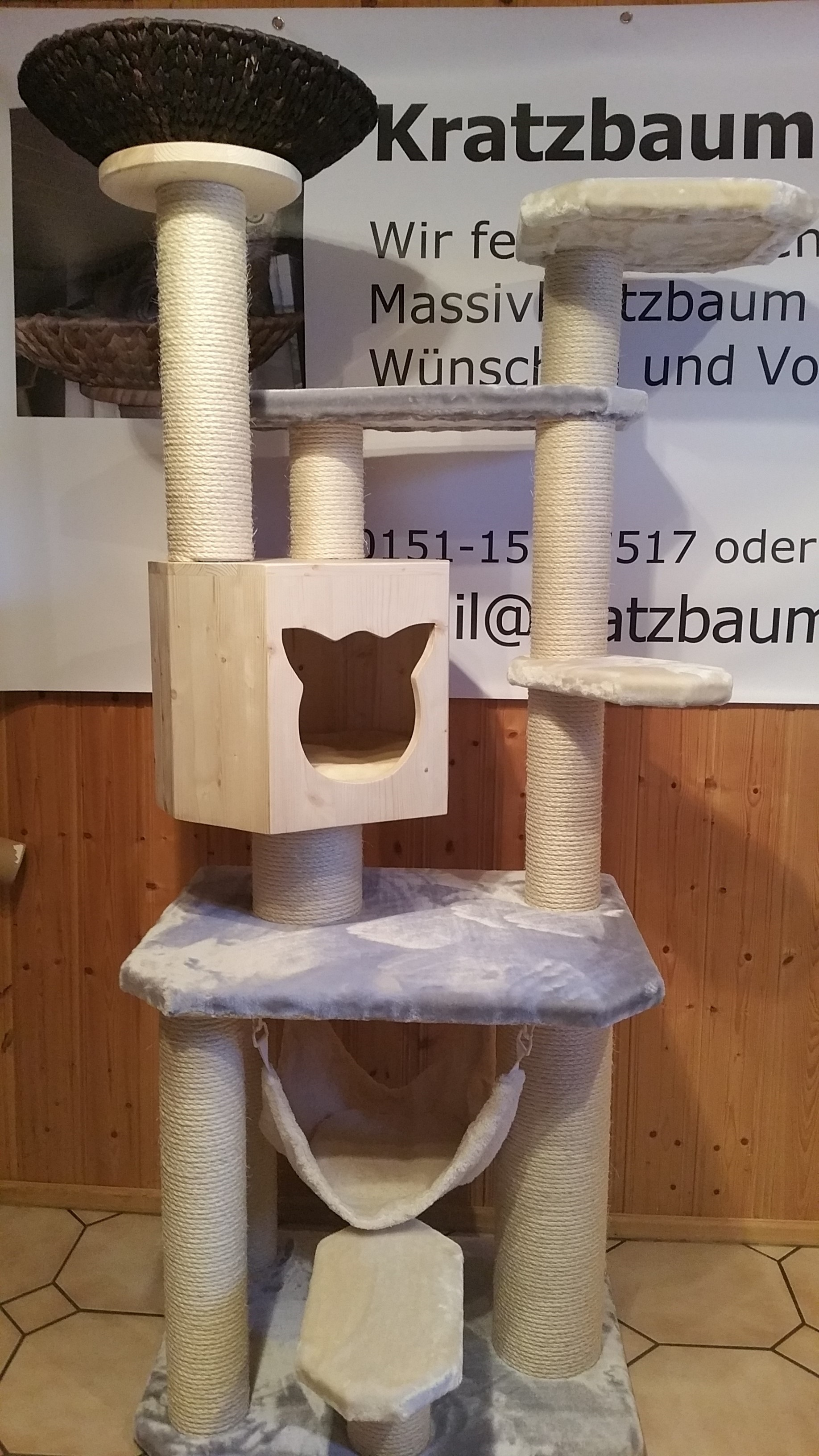 kratzbaum massiv f r gro e katzen xxl st mme liegekorb f r katzen stabiler kratzbaum. Black Bedroom Furniture Sets. Home Design Ideas