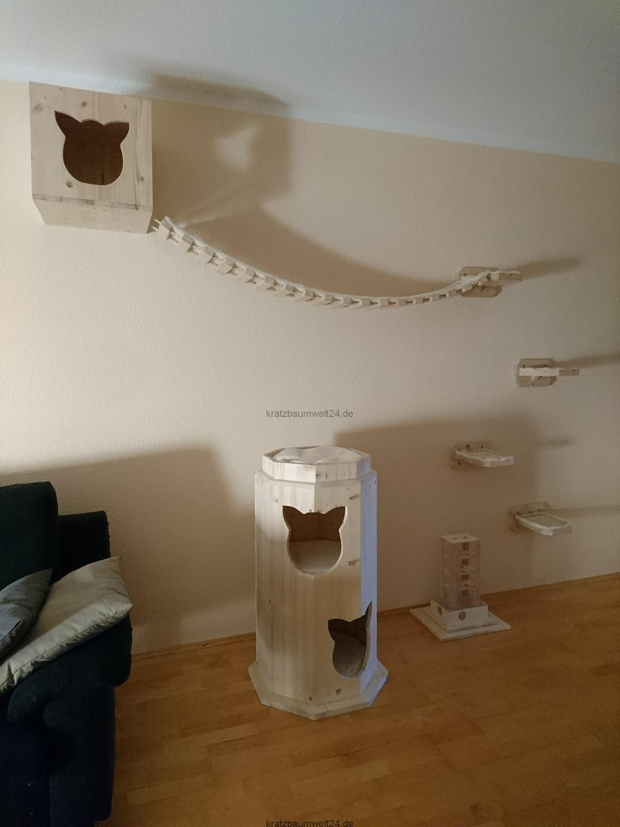 kletterlandschaft kletterparadies f r katzen xxl kratztonne exklusive anfertigungen f r katzen. Black Bedroom Furniture Sets. Home Design Ideas