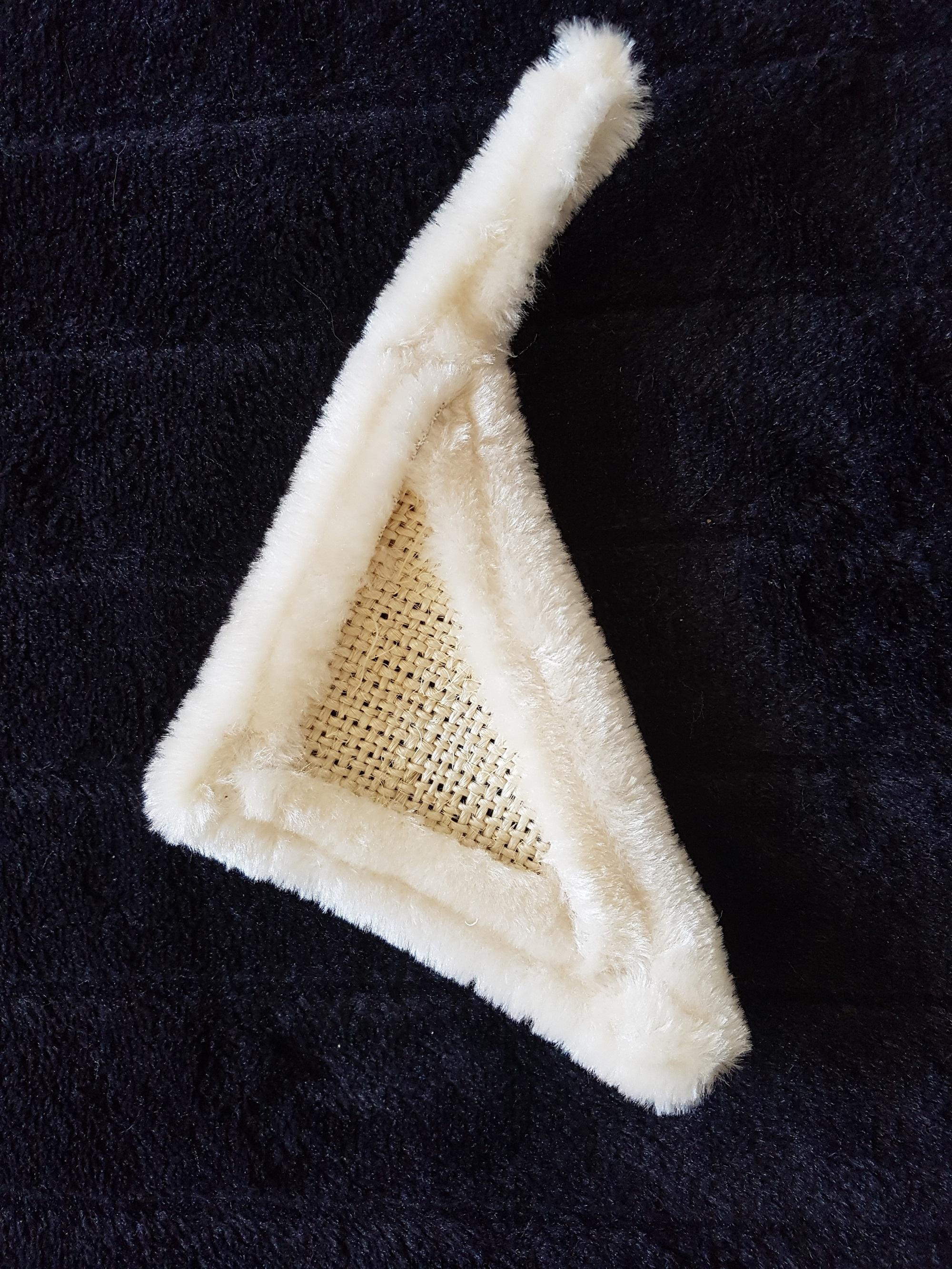 spielzeug f r katzen handgefertigt spielzeug aus sisal. Black Bedroom Furniture Sets. Home Design Ideas